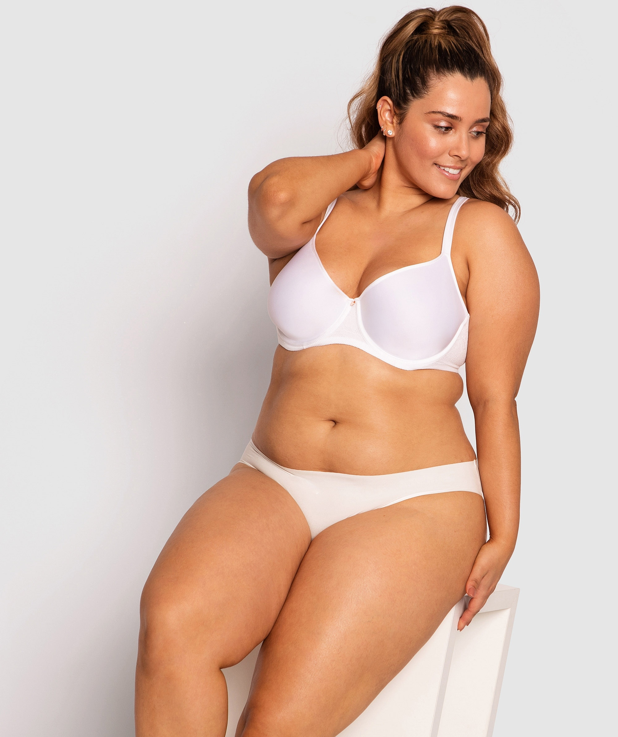 Pure Body Full Cup Bra - White