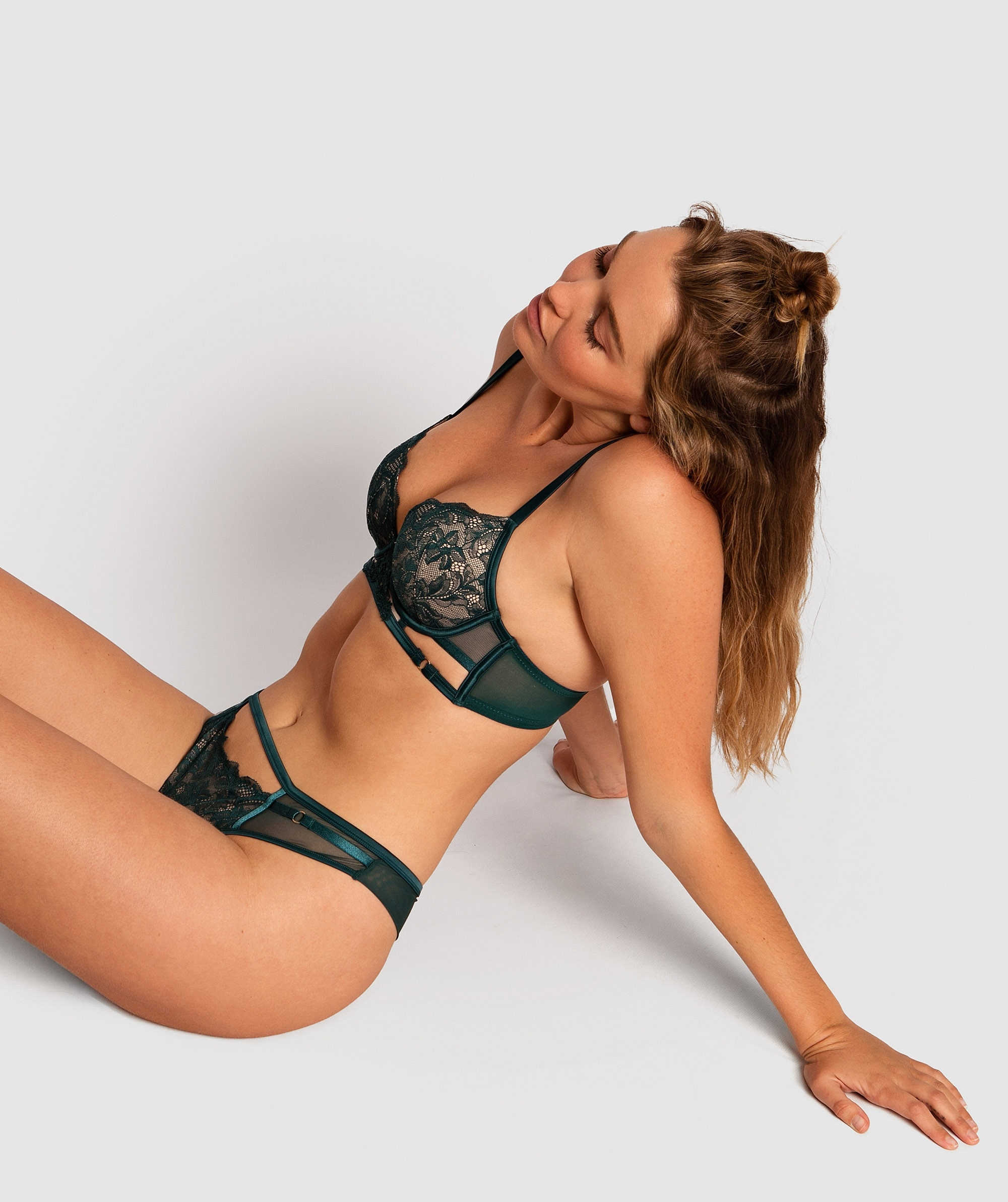 Alice Plunge Contour Bra - Dark Green/Nude