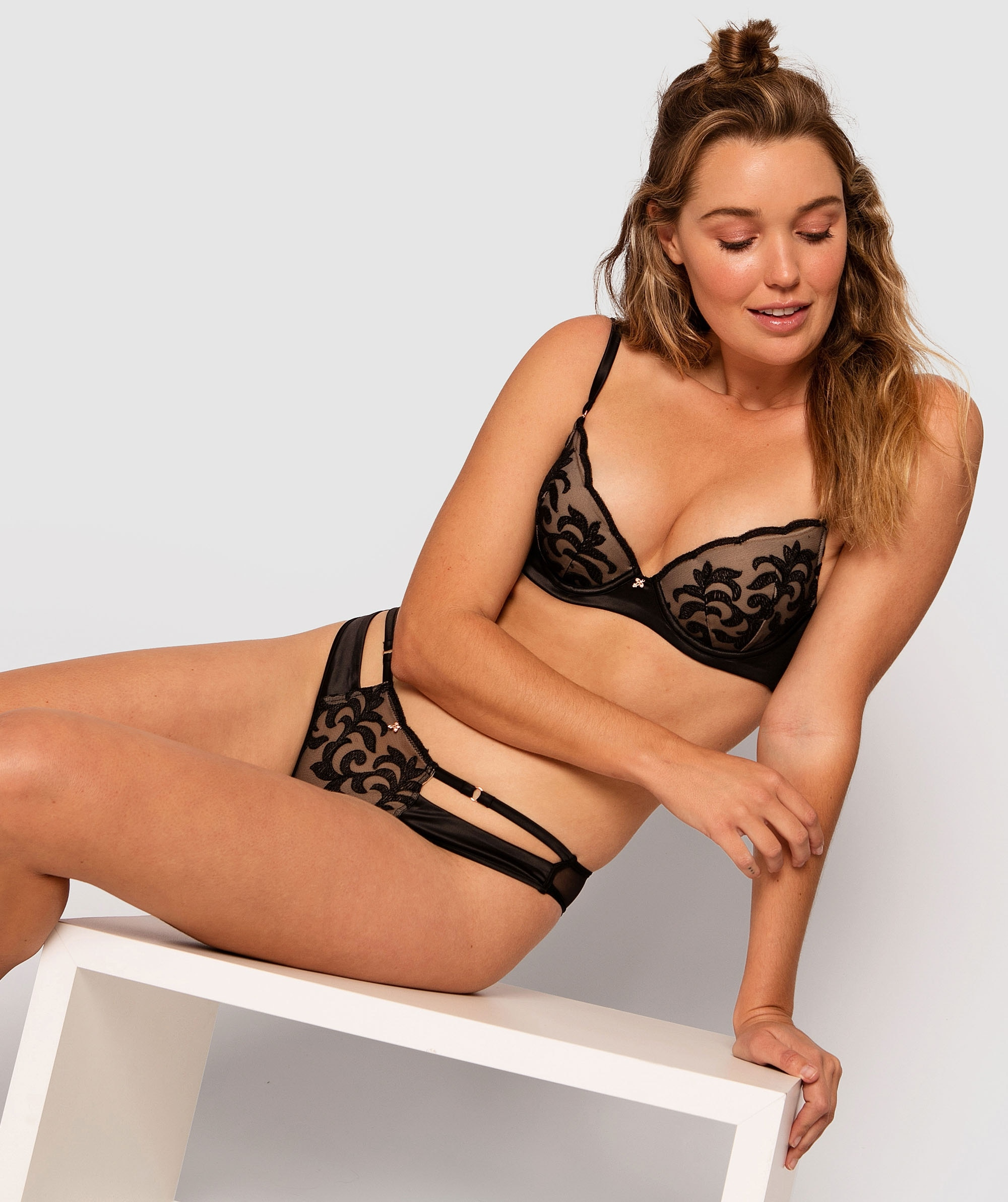 Della Brazilian Knicker - Black/Nude