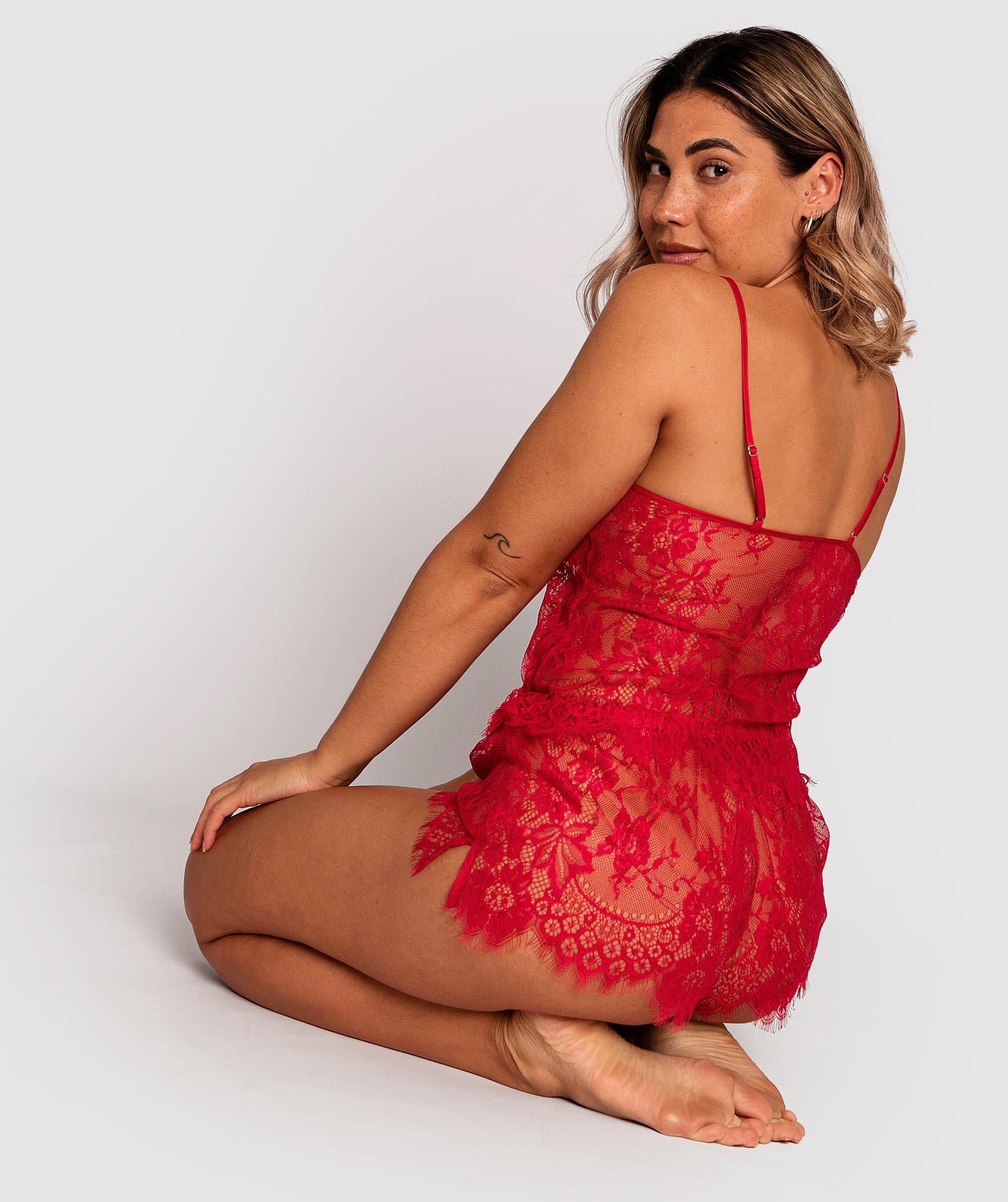 Gabriela Cami - Red