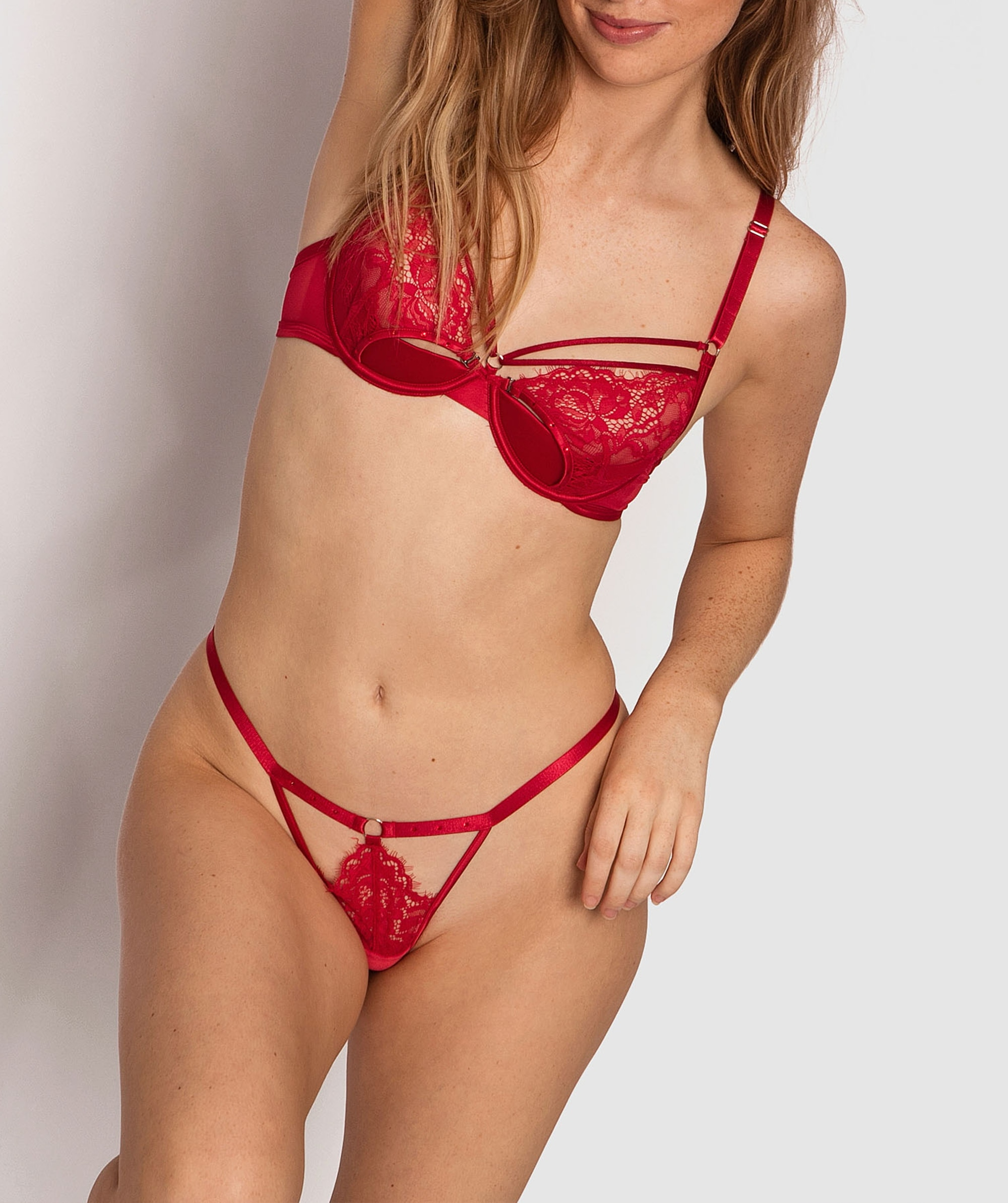 Mesmerize 1/2 Cup Bra - Red