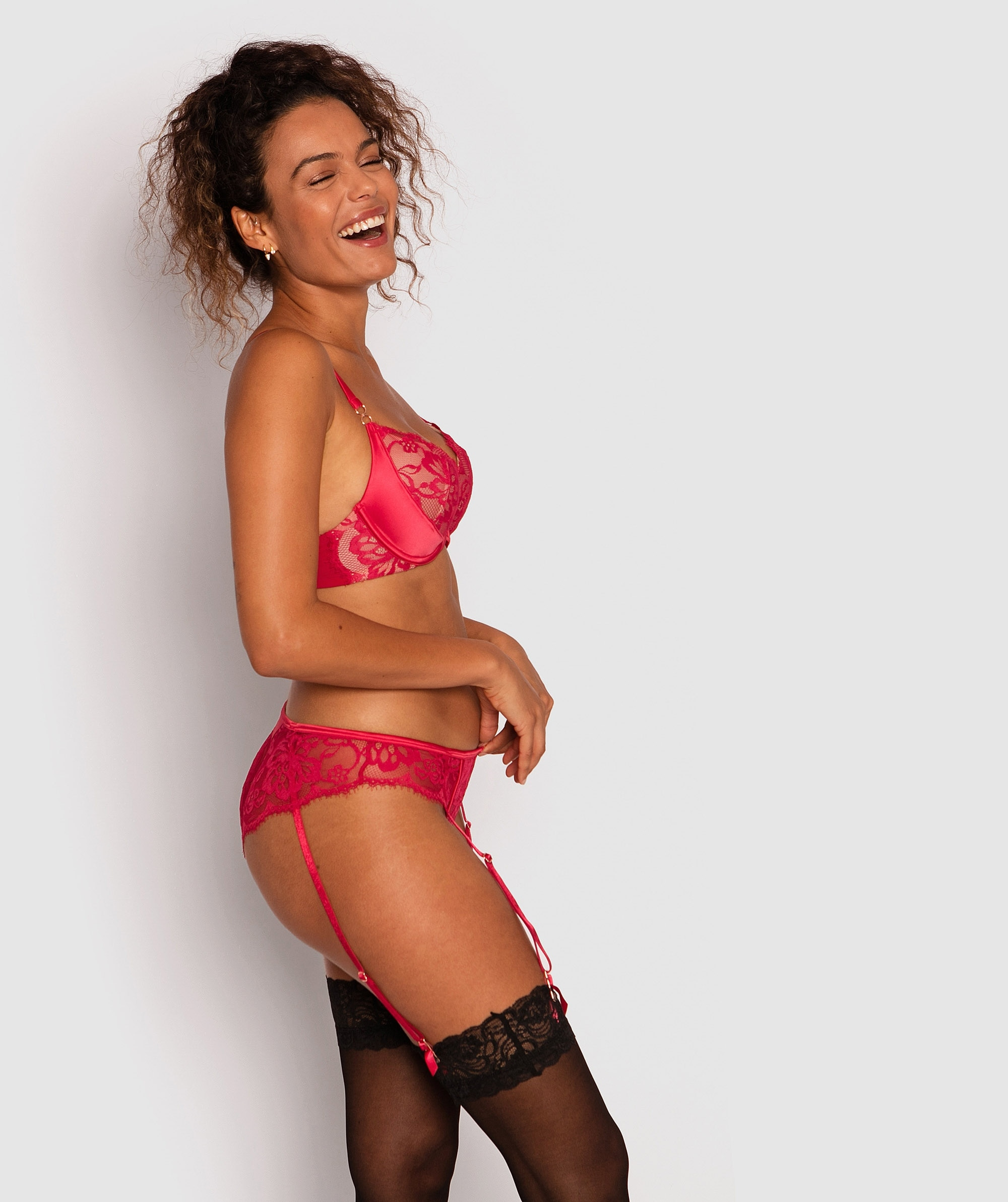 Fashion X Comfort Brazilian Knicker with Removable Suspenders - Red/Nude